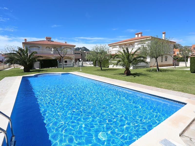 Eurosol 146858,Apartamento  con piscina privada en Miami Platja, en la Costa Dorada, España para 6 personas...