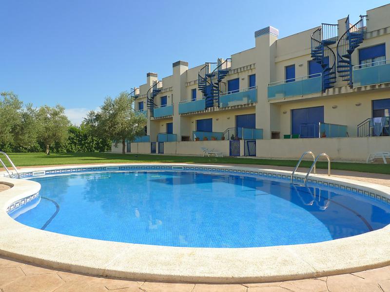 Port flamingo ii 146983,Vivienda de vacaciones  con piscina privada en l'Ampolla, Tarragona, España para 8 personas...