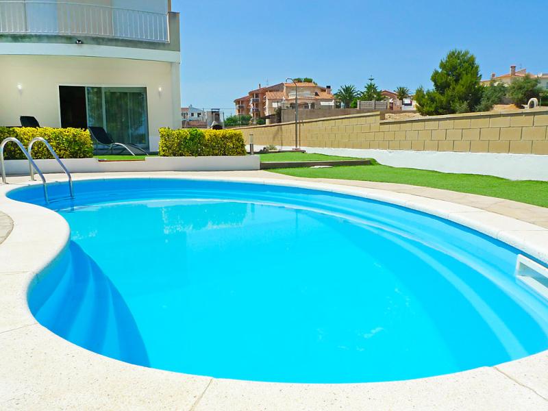 Mar 146989,Vivienda de vacaciones  con piscina privada en l'Ampolla, Tarragona, España para 8 personas...