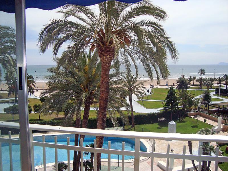 Urb florazar i 147090,Apartamento  con piscina privada en Cullera, en la Costa Azahar, España para 5 personas...