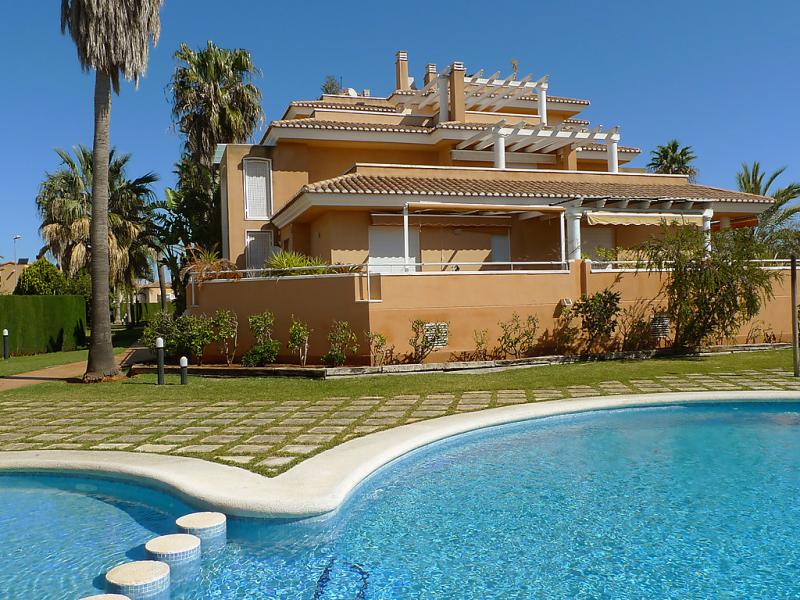 Urb keops b 2 147096,Apartamento en Oliva, en la Costa Blanca, España  con piscina privada para 4 personas...