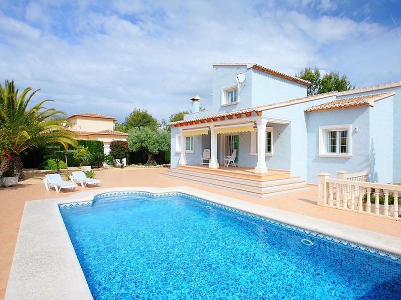 Azul 147474,Vivienda de vacaciones en Calpe, en la Costa Blanca, España  con piscina privada para 8 personas...