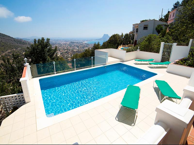 Pandora 147571,Vivienda de vacaciones en Calpe, en la Costa Blanca, España  con piscina privada para 6 personas...