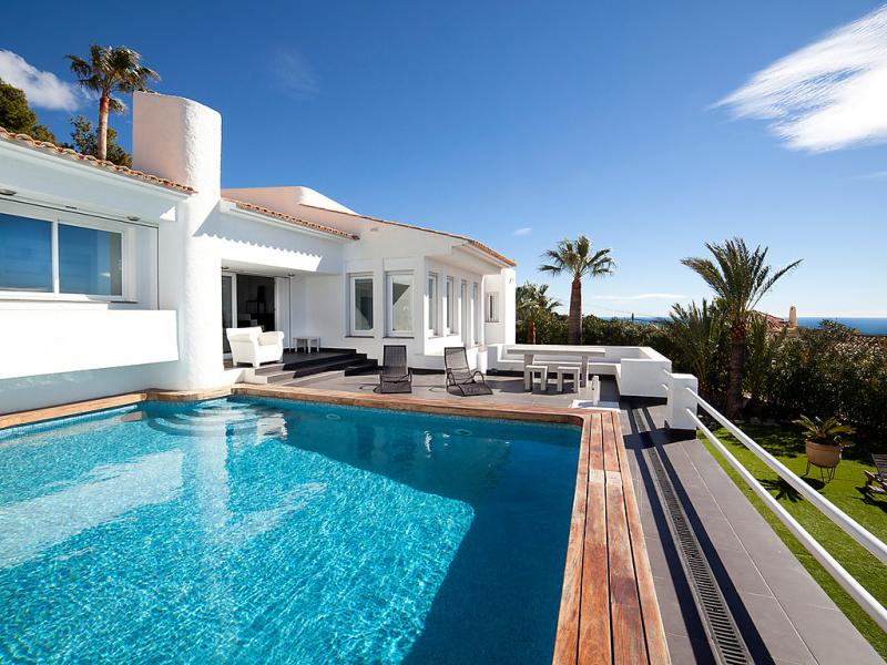 Palm spring 147774,Vivienda de vacaciones en Altea, en la Costa Blanca, España  con piscina privada para 6 personas...