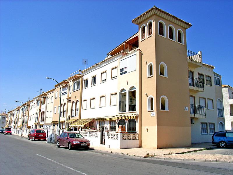 El paraiso 147887,Apartamento en Torrevieja, en la Costa Blanca, España para 5 personas...