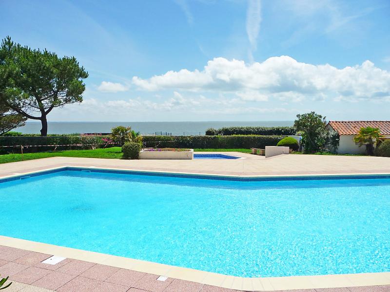 Plein ocan 148303,Vivienda de vacaciones  con piscina privada en Pornic, Loire Country, Francia para 4 personas...