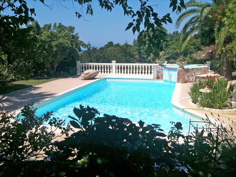 Campestra 1412542,Vivienda de vacaciones en Chiavari, Corsica, Francia  con piscina privada para 4 personas...