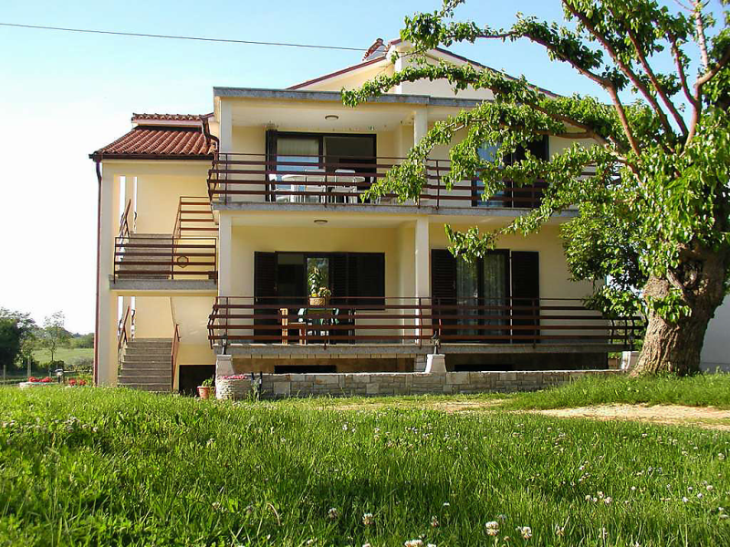 1412754,Апартамент  на 4 человекa в Umag-Volparija, Istria, в Croatia...