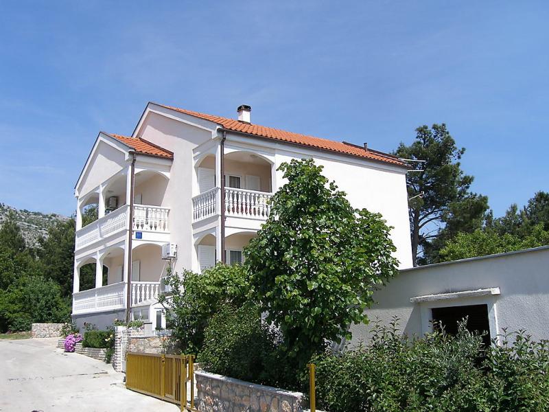 1412964,Apartamento en Starigrad-Paklenica, Dalmatia, Croacia para 4 personas...