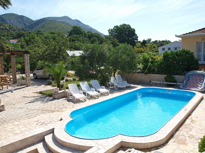 1413376,Vivienda de vacaciones en Orebic, South Dalmatia, Croacia  con piscina privada para 2 personas...