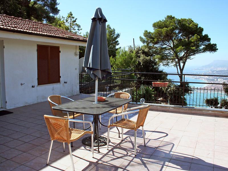 Taverna il cippo 1413448,Apartamento en Mortola, Liguria, Italia para 4 personas...
