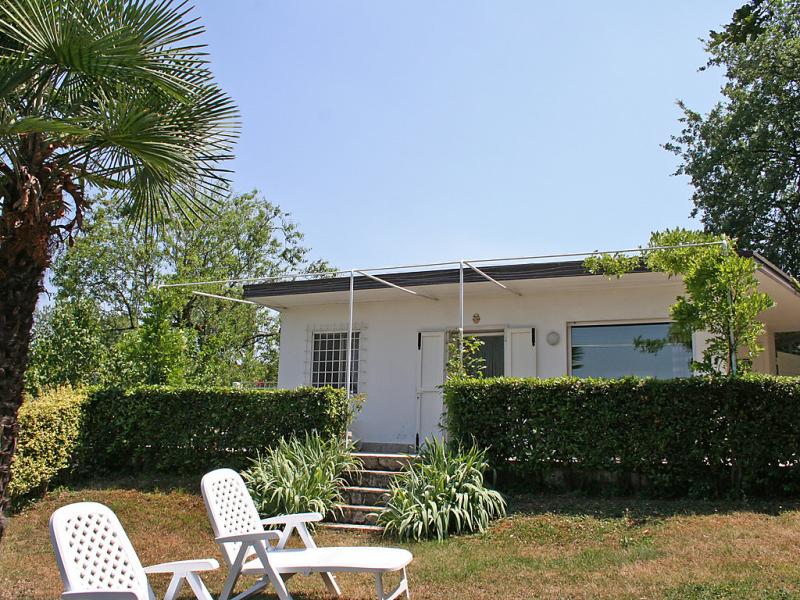 Rosanna 1413665,Vivienda de vacaciones  con piscina privada en Peschiera del Garda, Veneto, Italia para 4 personas...