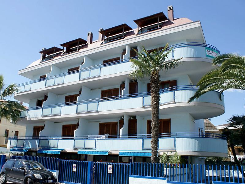 Il cielo 1414217,Apartamento en San Benedetto del Tronto, Le Marche, Italia para 4 personas...