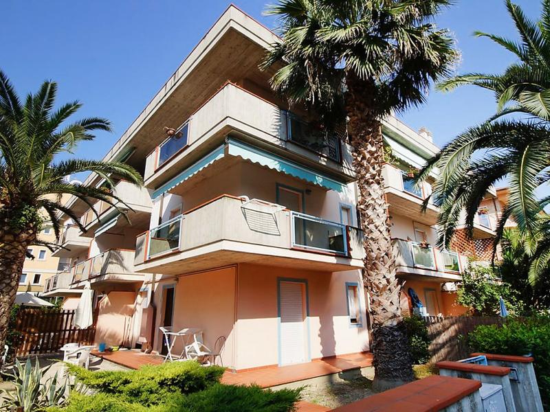 Troiani 1414222,Apartamento en San Benedetto del Tronto, Le Marche, Italia para 5 personas...