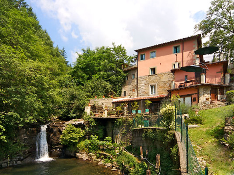 Verde 1414906,Apartamento en Loro Ciuffenna, en Toscana, Italia  con piscina privada para 3 personas...