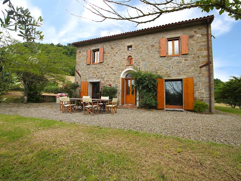 Il ruscello 1414960,Castillo en Chianni, en Toscana, Italia  con piscina privada para 10 personas...
