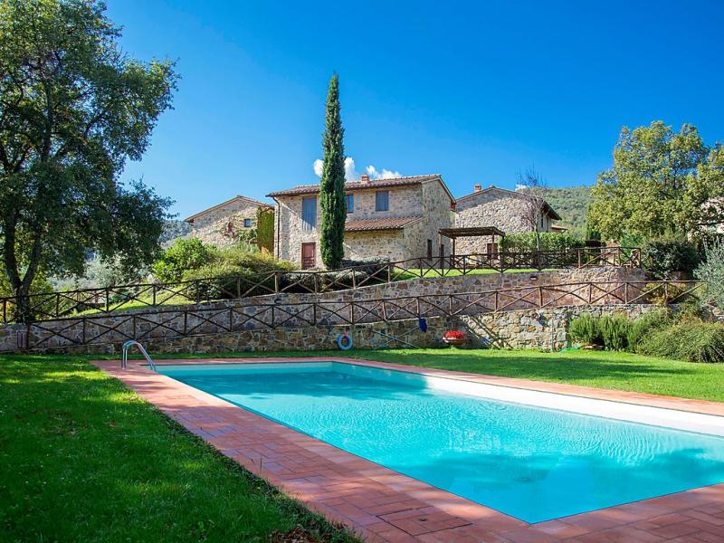La corte 1414989,Vivienda de vacaciones  con piscina privada en Greve in Chianti, en Toscana, Italia para 8 personas...