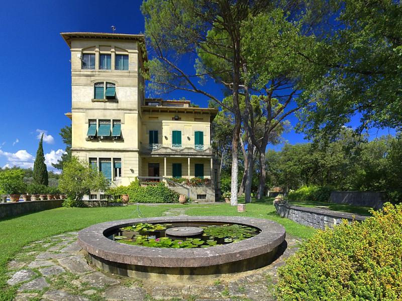 Poggio patrignone 1415154,Vivienda de vacaciones en Arezzo, en Toscana, Italia  con piscina privada para 12 personas...