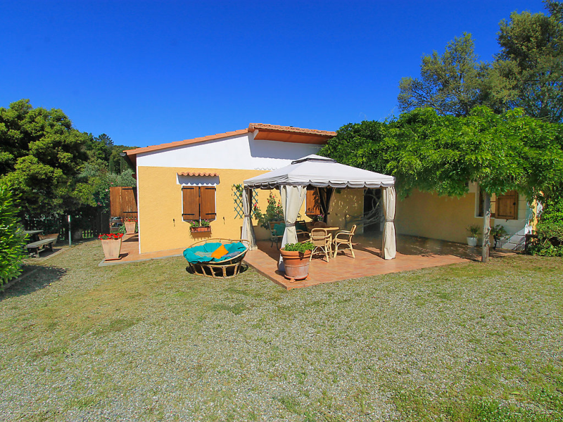 Montorsi 1415463,Vivienda de vacaciones en Roccastrada, en Toscana, Italia  con piscina privada para 9 personas...