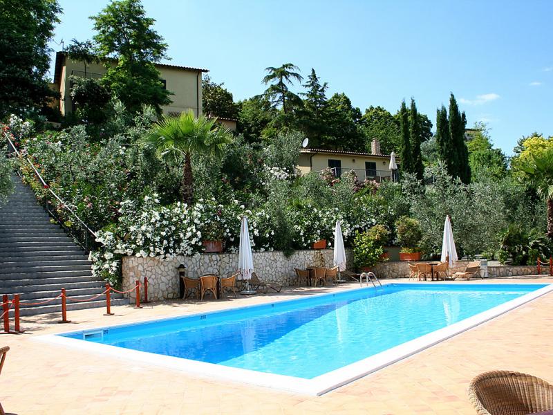 Il tiglio 1415879,Apartamento  con piscina privada en Collevecchio, Latium, Italia para 3 personas...