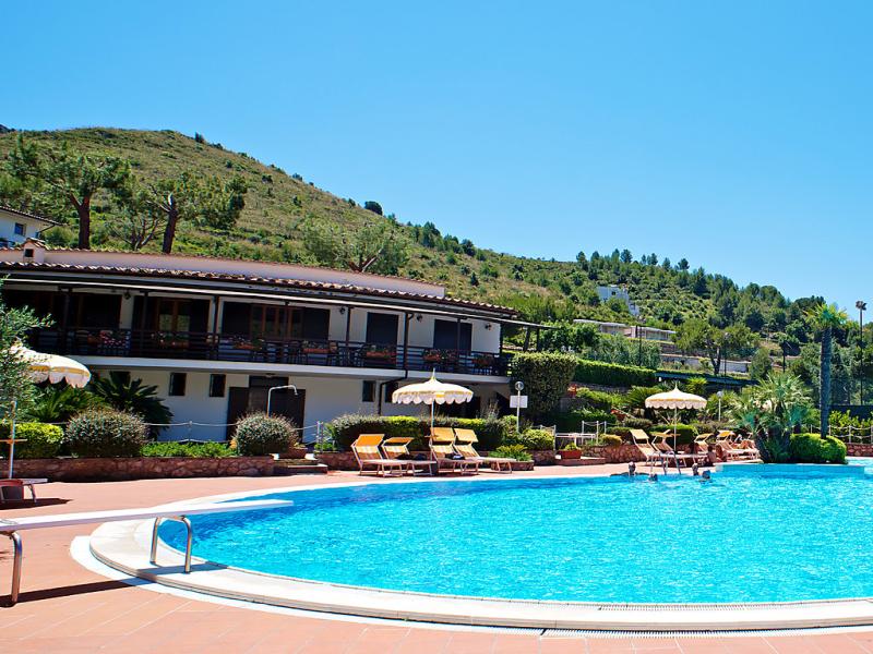 Sperlonga paronamica 1415986,Apartamento en Sperlonga, Latium, Italia  con piscina privada para 4 personas...