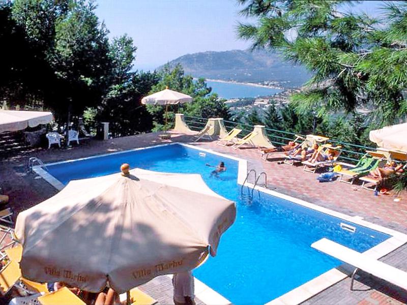 Marhu 1416273,Apartamento en Mattinata, Apulia, Italia  con piscina privada para 4 personas...