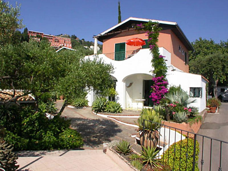 Terra rossa residence 1416704,Apartamento  con piscina privada en Taormina, Sicily, Italia para 3 personas...