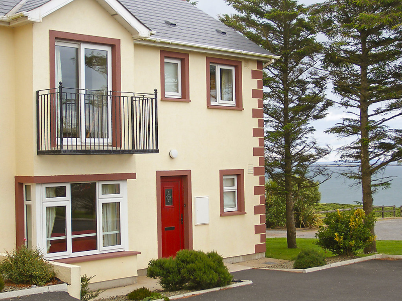 Sea cliff 1416756, Location de vacances à Dunmore East, South East, Irlande pour 5 personnes...