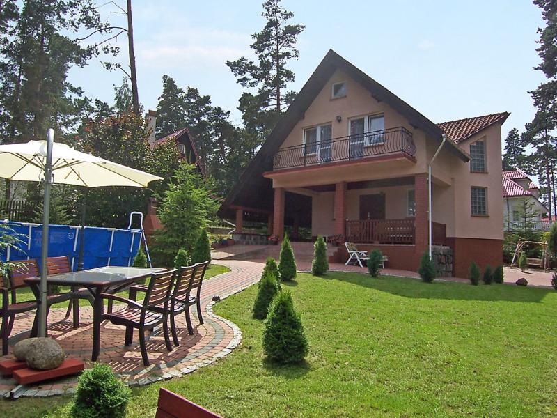 Mielno 2 1417040,Vivienda de vacaciones en Grunwald, Beskidy, Polonia  con piscina privada para 8 personas...