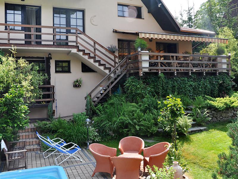 Duy 1417104,Vivienda de vacaciones  con piscina privada en Milowka, Beskidy, Polonia para 10 personas...