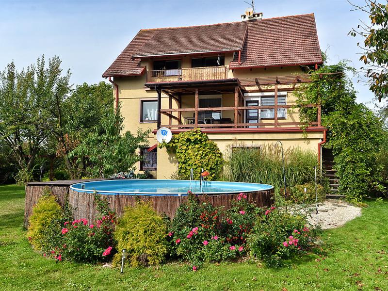 Gaczyskiego 1417158,Apartamento en Wroclaw, Silesia, Polonia  con piscina privada para 4 personas...