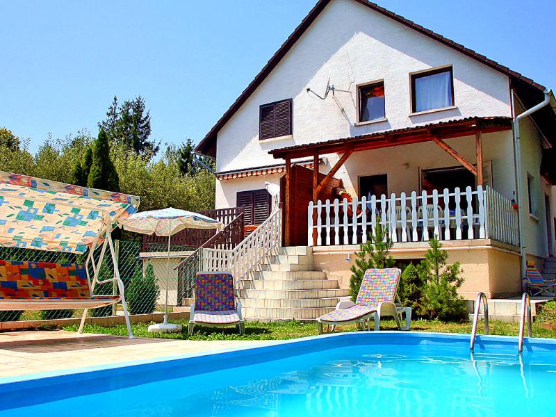 1417362,Vivienda de vacaciones en Balatonkenese, Balaton Felvidek, Hungría  con piscina privada para 6 personas...