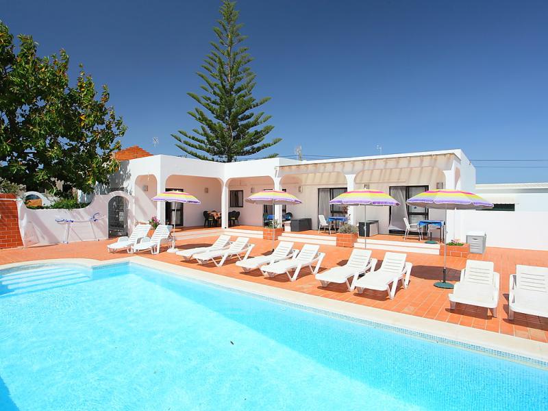 Casa margarita 1417683,Villa en Altura, en la Algarve, Portugal  con piscina privada para 10 personas...