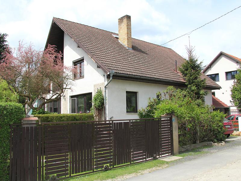 Hlasna treban 1417772,Apartamento en Karlstejn, Central Bohemia, Chequia  con piscina privada para 7 personas...