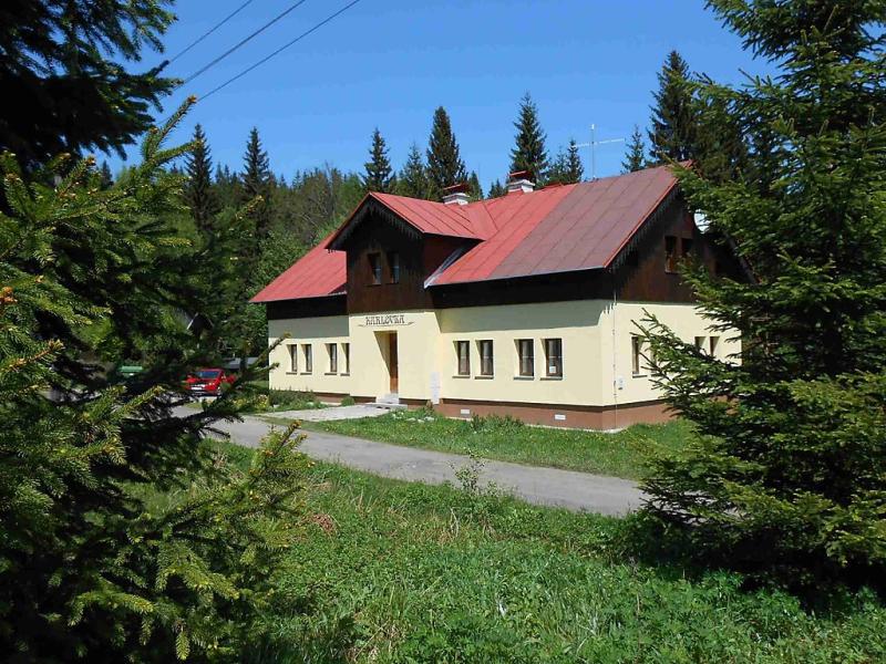 Karlovka 1417909,Vivienda de vacaciones en Janov Nad Nisou, Královéhradecký kraj, Chequia para 23 personas...