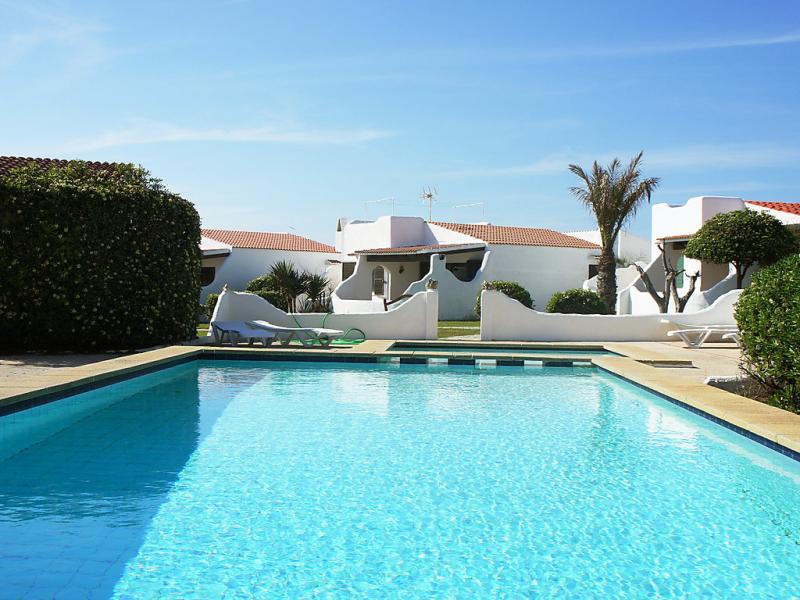 1419430,Vivienda de vacaciones  con piscina privada en Cala'n Bosch, Minorca, España para 6 personas...