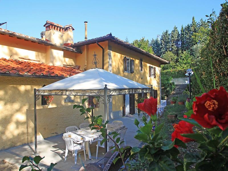 Dora 1419579,Vivienda de vacaciones  con piscina privada en Scarperia, en Toscana, Italia para 8 personas...