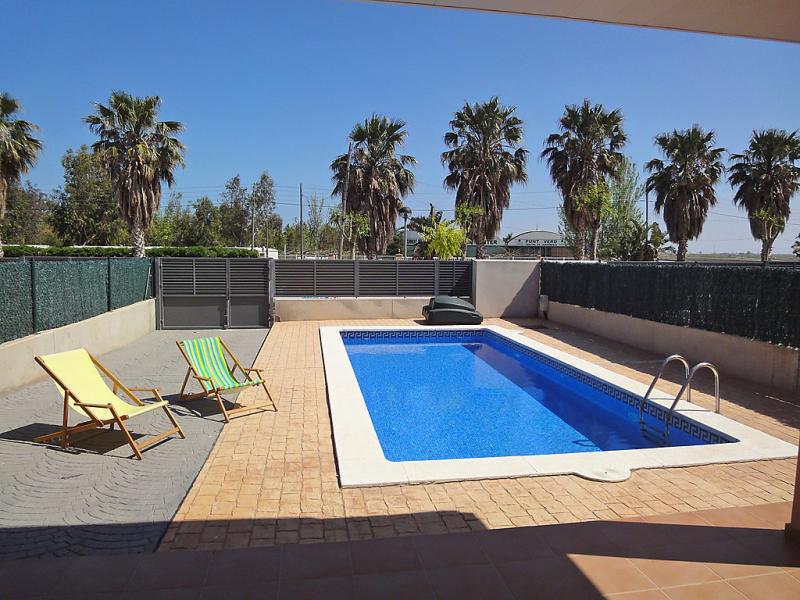 Casa ribera 1420585,Vivienda de vacaciones  con piscina privada en l'Ampolla, Tarragona, España para 6 personas...