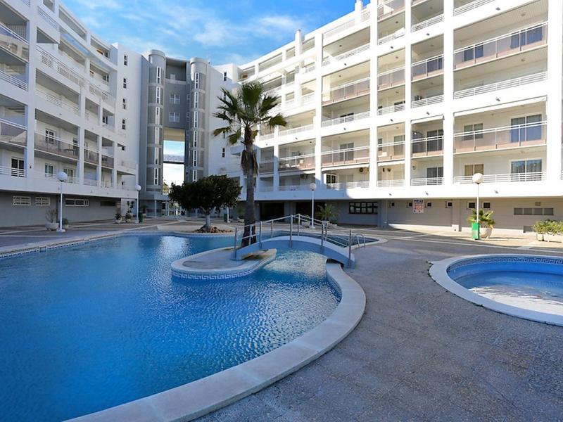Royal 1420850,Apartamento  con piscina privada en Salou, en la Costa Dorada, España para 4 personas...