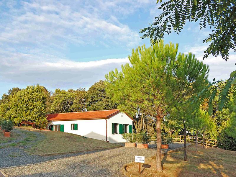 Podere gli olivi 1421387,Villa en Castiglioncello, en Toscana, Italia  con piscina privada para 7 personas...