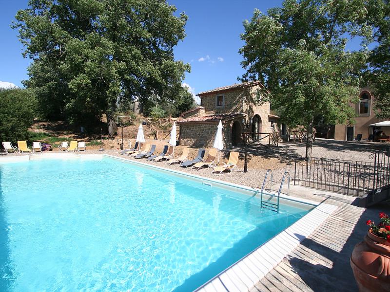 Donzella 1421446,Castillo en Monte San Savino, en Toscana, Italia  con piscina privada para 6 personas...