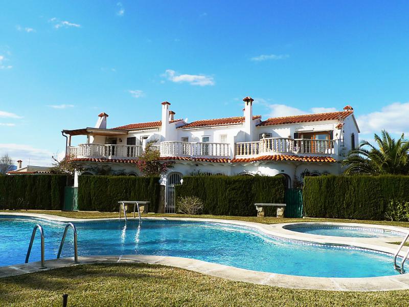 Playa de les deveses 1421474,Vivienda de vacaciones en Dénia, Alicante, España  con piscina privada para 4 personas...
