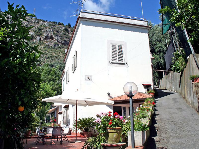 Azienda agricola barone 1421744,Vivienda de vacaciones en Sorrento, Campania, Italia para 8 personas...