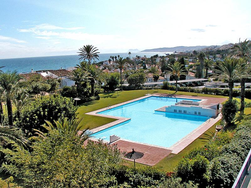 Bahia dorada 73 1422090,Apartamento  con piscina privada en Estepona, Andalucía, España para 4 personas...