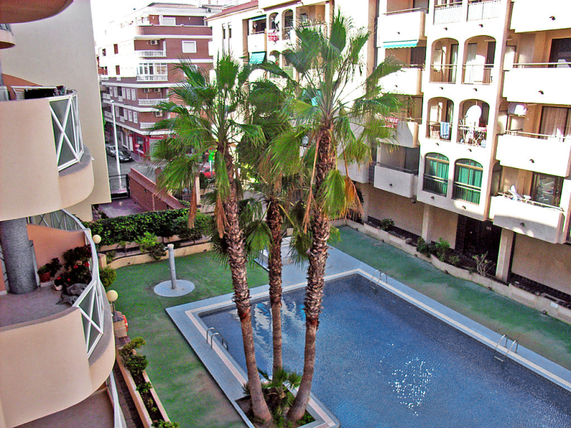 Edificio mediterranea ii 1427639,Apartamento en Torrevieja, en la Costa Blanca, España  con piscina privada para 4 personas...
