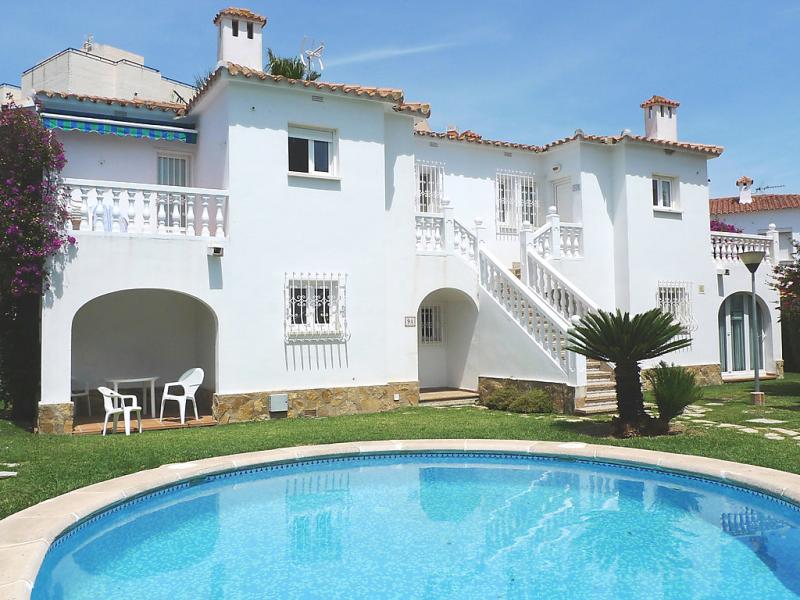 Club sevilla i  manzana i 1428242,Apartamento  con piscina privada en Oliva, en la Costa Blanca, España para 4 personas...