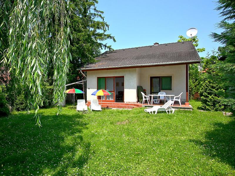 1430036,Villa en Balatonfenyves, Balaton, Hungría para 6 personas...