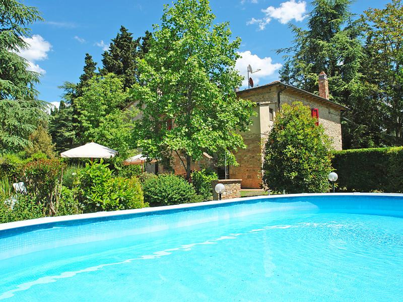 1430656,Vivienda de vacaciones  con piscina privada en Gambassi Terme, en Toscana, Italia para 6 personas...