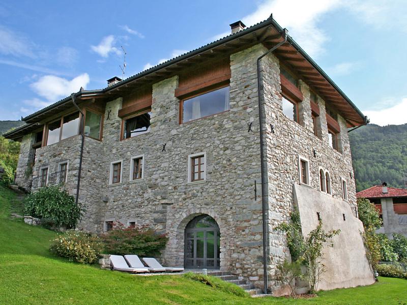 Maso dolcevista 1430895,Apartamento en Terme di Comano, Trentino-Dolomites, Italia  con piscina privada para 6 personas...