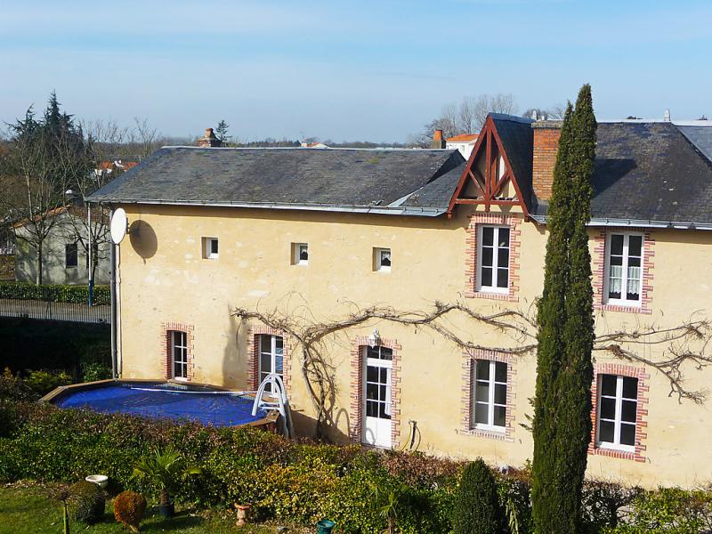 Le logis du chateau 1432035,Vivienda de vacaciones en Challans, Loire Country, Francia  con piscina privada para 7 personas...